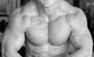 大胸筋の内側に筋肉をつけるポイント③上部・中部・下部を分けて考える